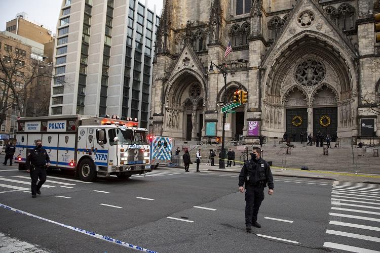 Gunman Opens Fire at New York City Christmas Concert